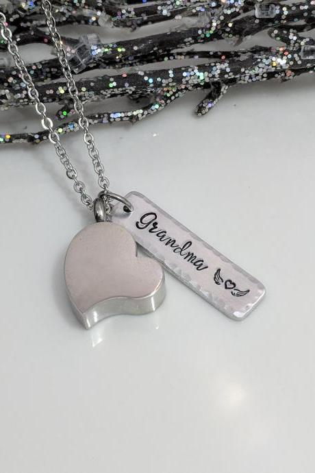 Heart Urn For Ashes-Heart Urn Pendant-Cremation Jewelry-Personalized-Loss of Grandma-Urn Necklace-Memorial Gift-Remembrance Gift-Urn Jewelry